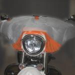 Présentation sur la moto pour définir les pattes de fixation...centrage par des cales biseautées...