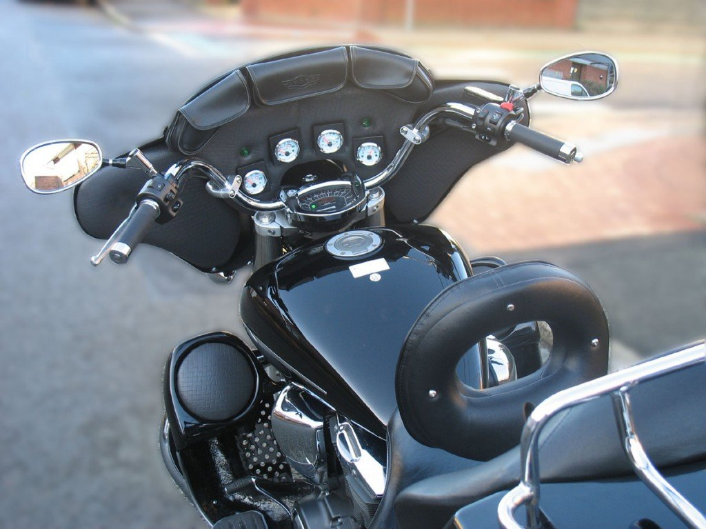 La moto dans tous ses tats 15 l int rieur du nez de for Interieur nez